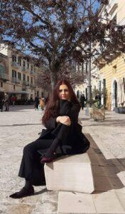 L'autrice Caterina Ambrosecchia, lucana, insegnante di Scienze umane e sociali e Psicologia